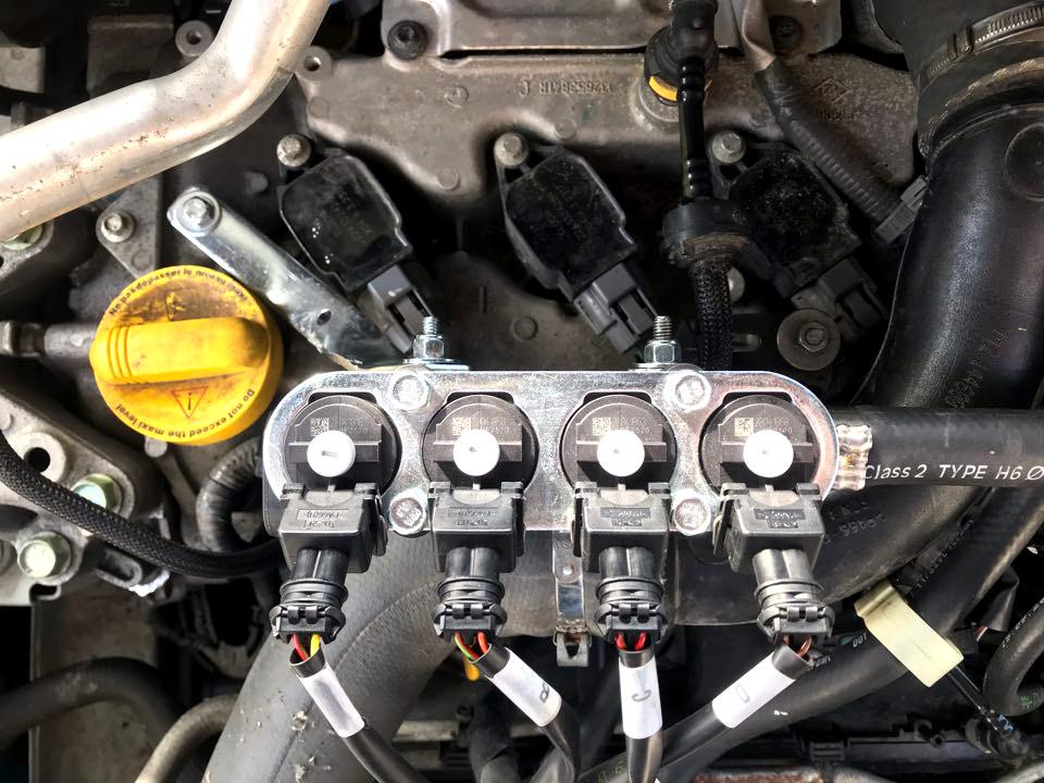 Listwa wtryskowa 4 cylindry LandiRenzo OMEGAS LPG zamontowana w Nissan Qashqai 1.2 2017